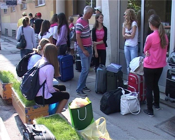 Srednjoškolci otputovali za Makedoniju