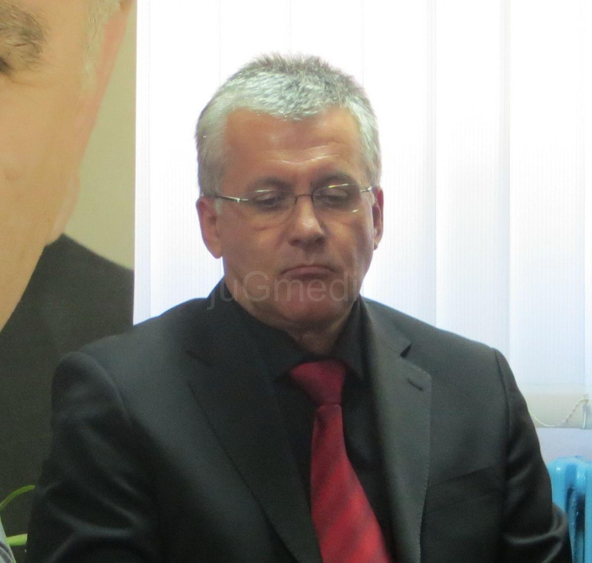 I poslanik Dragan Nikolić čestitao slavu