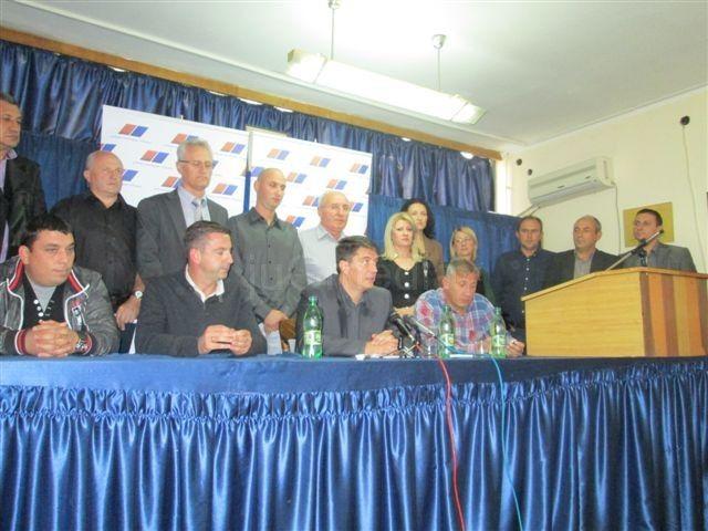 Stevanović najavio rekonstrukciju trga u Vlasotincu