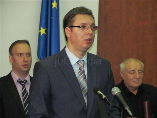 Vučić o tehnološkim viškovima u lokalnim samoupravama