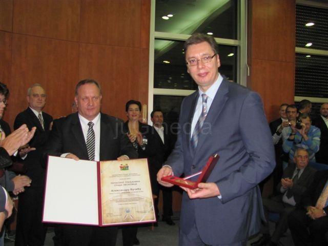 Vučić Leskovčanima obećao fabriku i jeftine poljoprivredne kredite