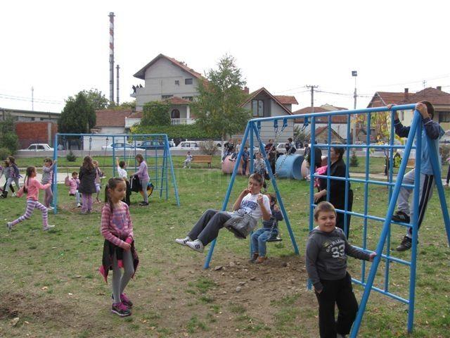Otvoreno renovirano igralište u naselju Rupe