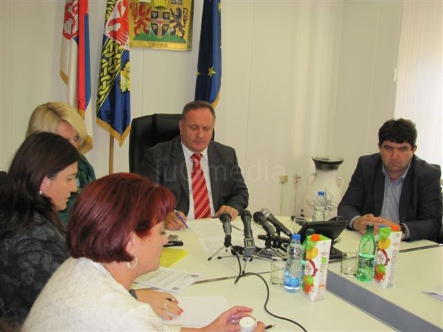 Na javnim radovima 123 Leskovčana