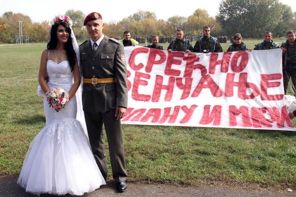 Maja i Milan venčali se pred padobranskim bataljonom