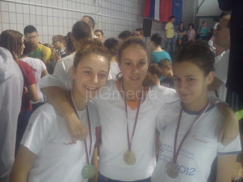Dvadesetdva plivača osvojila 29 medalja, 14 zlatnih