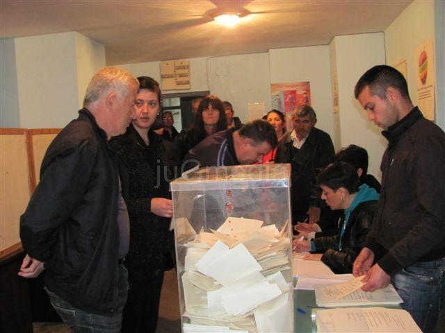 SNS u mesnim zajednicama u Leskovcu osvojila oko 40 posto glasova