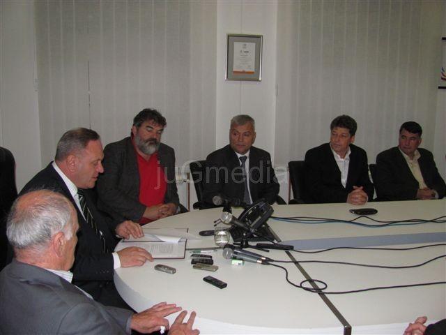Godišnjica vlasti koalicije oko SNS u Leskovcu