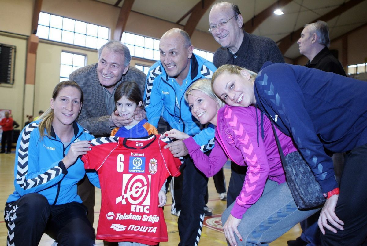 Hasan Mustafa na turniru mini rukometa u Nišu