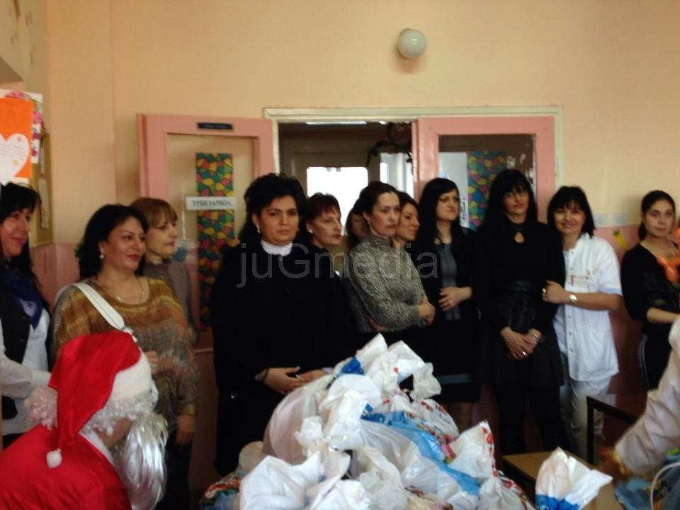SNS: Paketići za bolesnu decu