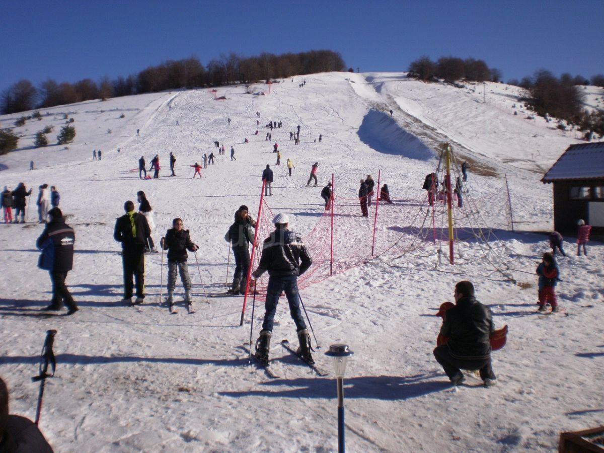 Počelo skijanje na Besnoj Kobili