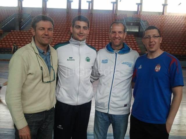 Treneri za primer i medalje