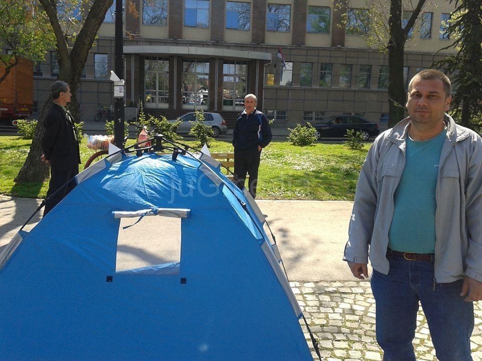 Sindikalac u šatoru zbog presuda