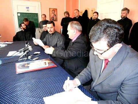 Grad donira 5,8 miliona dinara za krov crkve u Dubočici