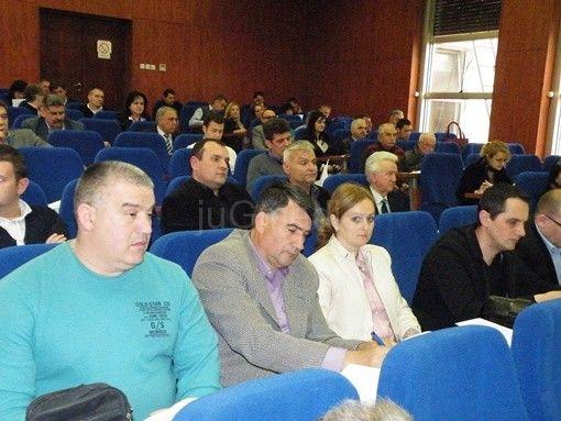 Cvetanović: Grad postao talac neodgovornih direktora