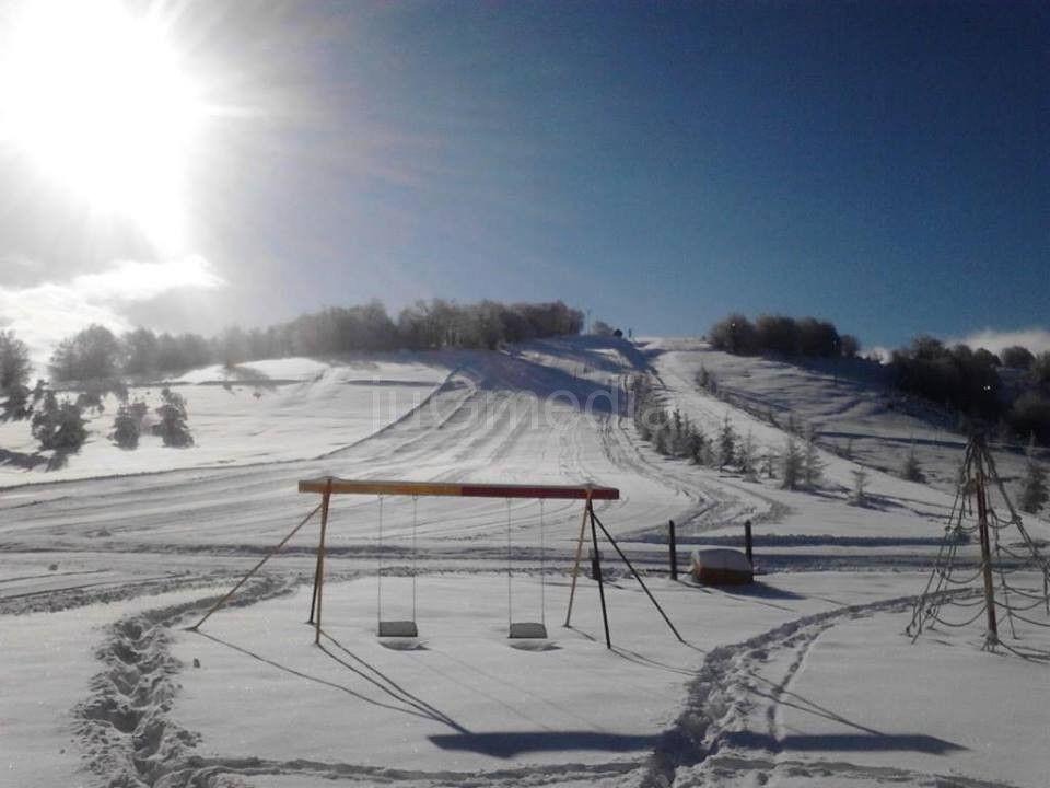 Uskršnje skijanje na Besnoj Kobili
