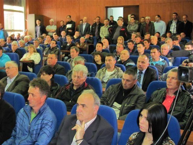 Mesne zajednice duguju za struju 102 miliona dinara