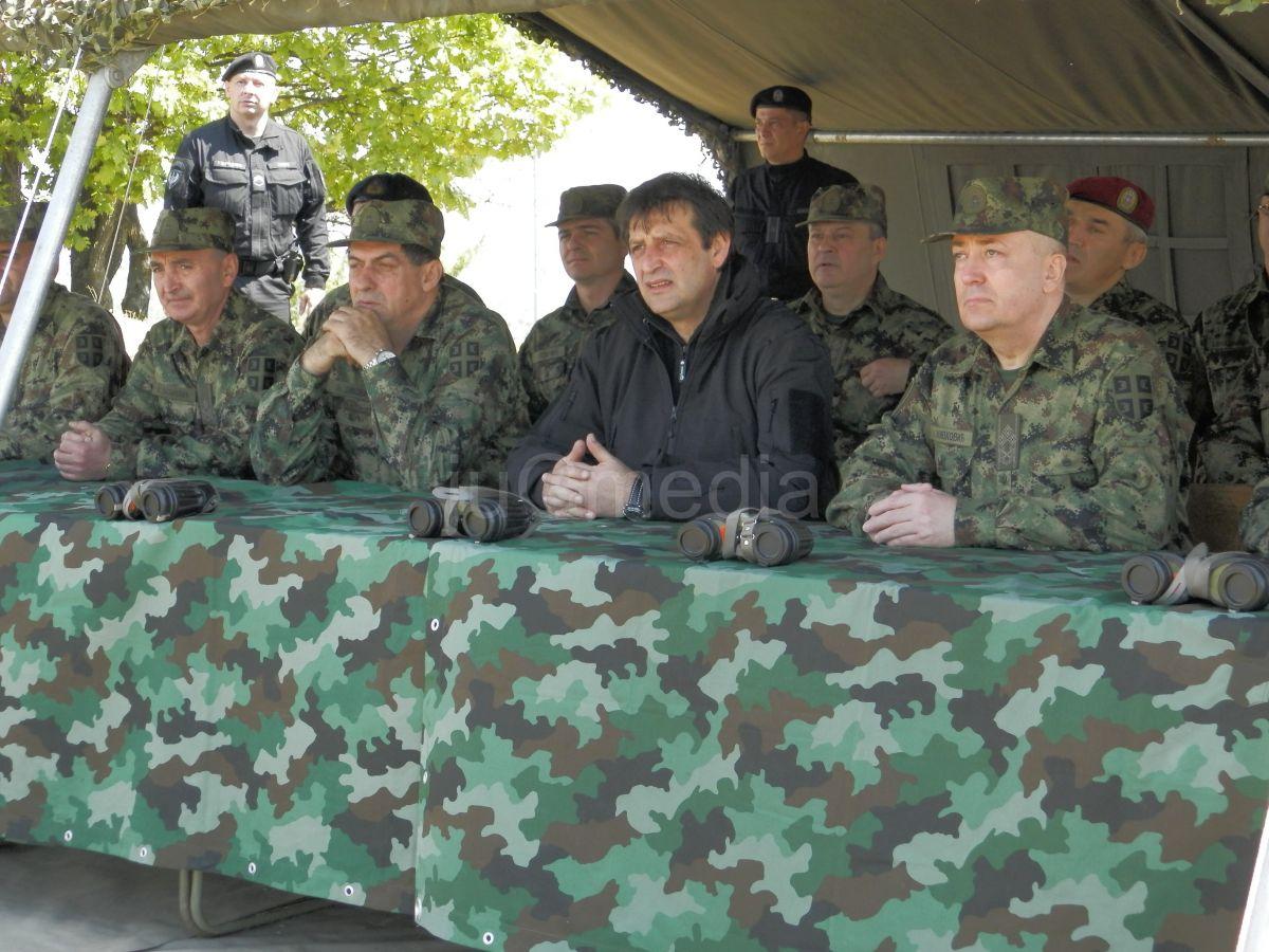 Ministar Bratislav Gašić posetio vojne baze na na jugu Srbije
