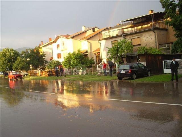 U Kozaračkoj ulici poplavljene kuće