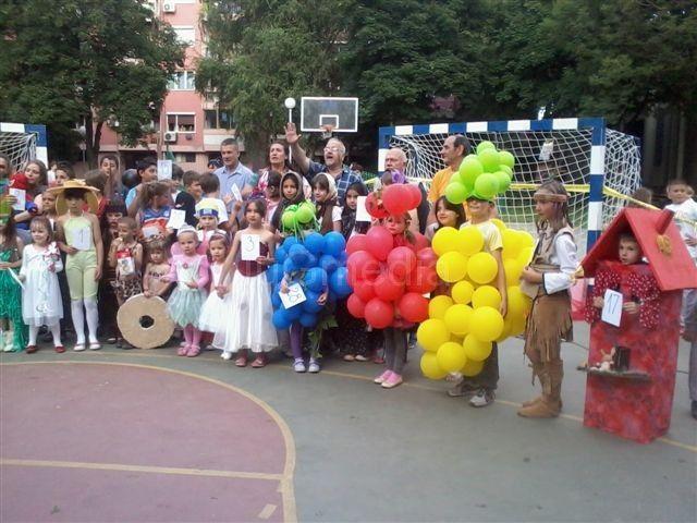 Jovan i Dana pobednici dečijeg maskenbala