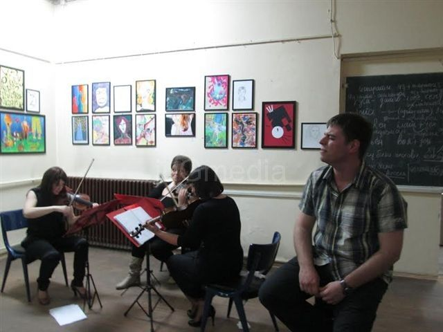 "Gudači ""String art trio"" spojili klasiku i rok u Noći muzeja"
