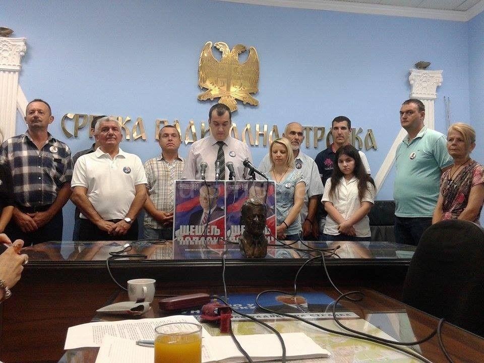 Srpski radikali i dalje pomažu poplavljenima