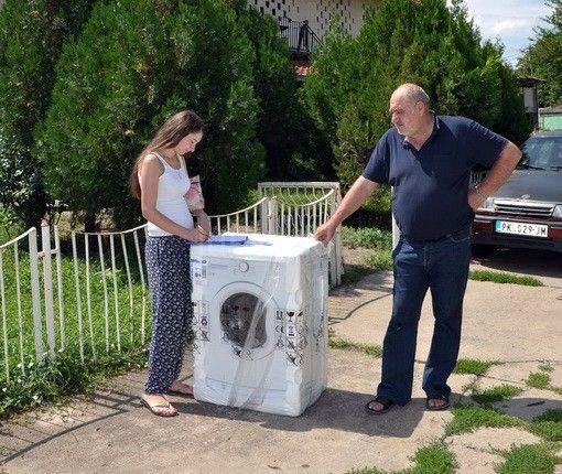 Volonter dele pomoć najugroženijima u Prokuplju
