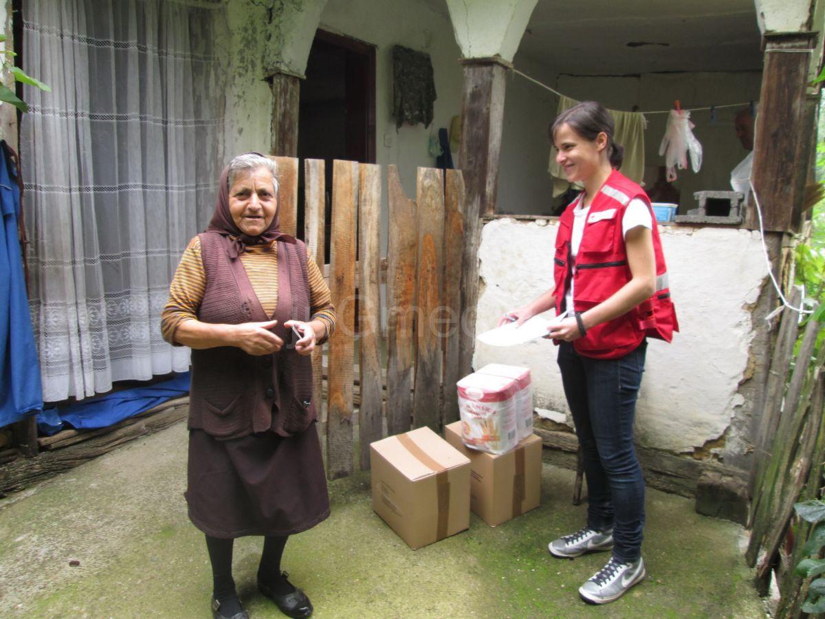 Crveni krst podelio pakete najsiromašnijima