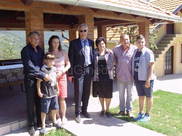 Braća Stojičić na očevom imanju izgradili etno selo