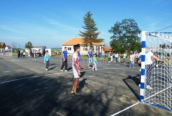 Mladi u Svircu dobili novi sportski teren