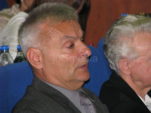 Povučena inicijativa o smeni većnika Dragana Savića