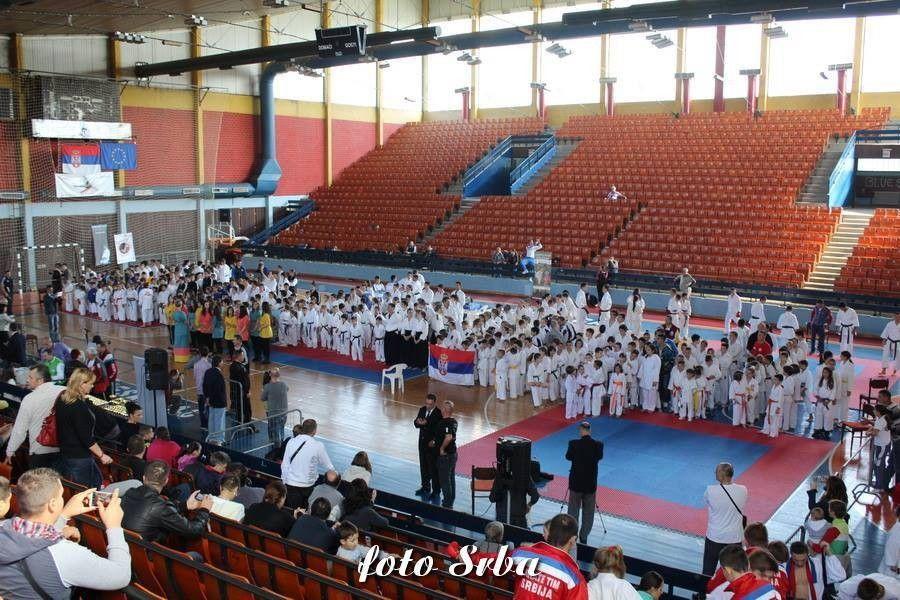 Karatisti iz Resavice osvojili najviše medalja u Leskovcu