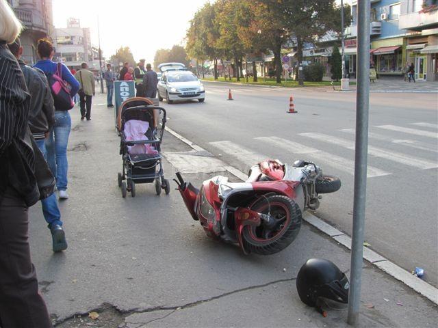 Uhapšen vozač mopeda koji je povredio bebu