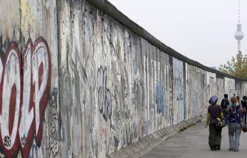 Na današnji dan srušen Berlinski zid