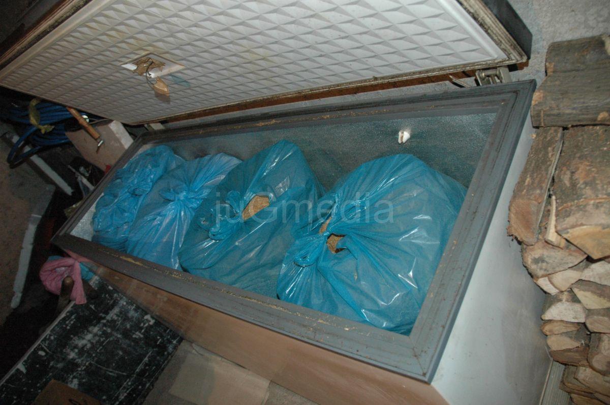 Policija u jednoj porodičnoj kući pronašla i zaplenila 115 kilograma duvana