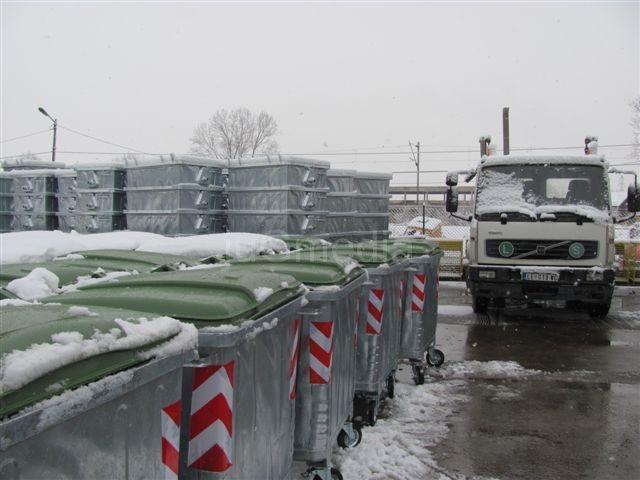 PWW deli 350 novih kontejnera i 1.800 kanti
