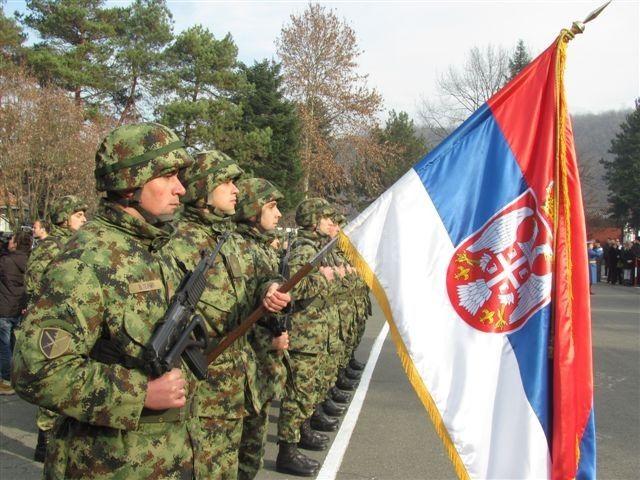 Istu muku muči i srpski i NATO vojnik