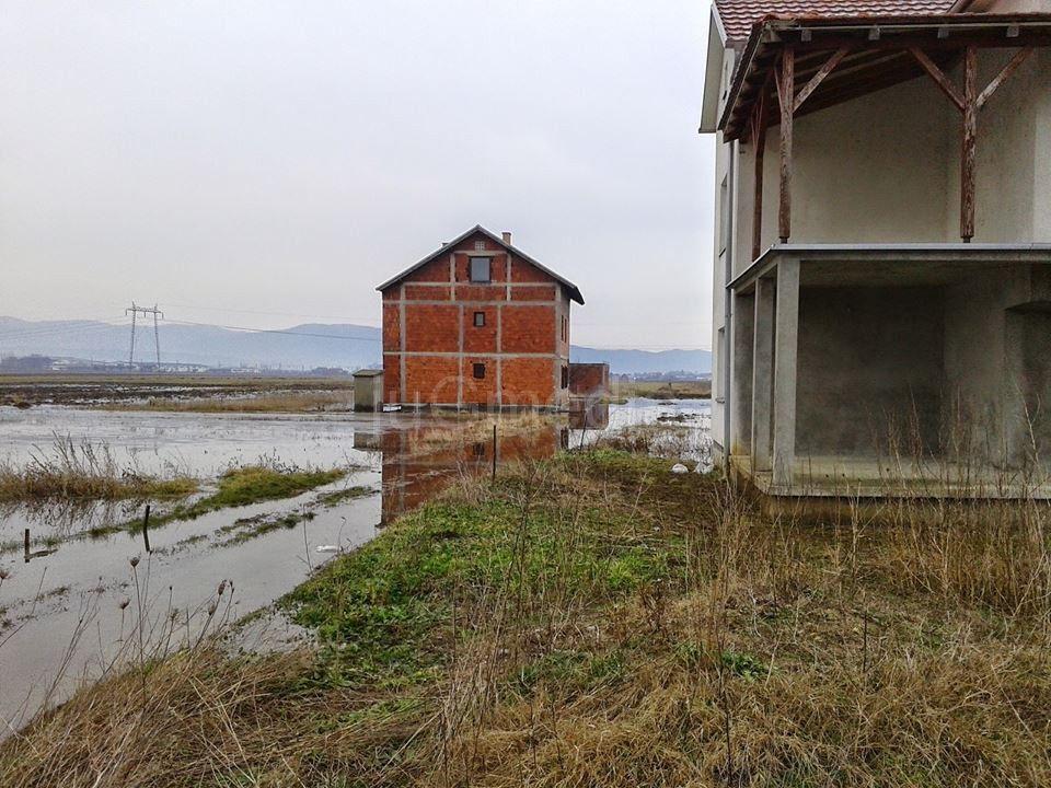 Poplava na ulazu u Novo Selo