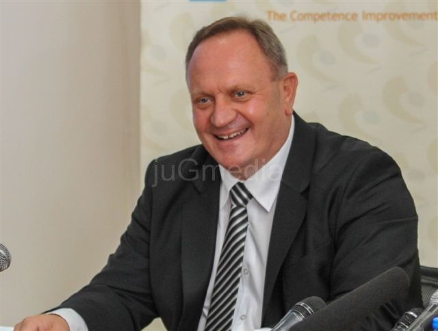 Gradonačelnik Cvetanović čestitao Prvi maj