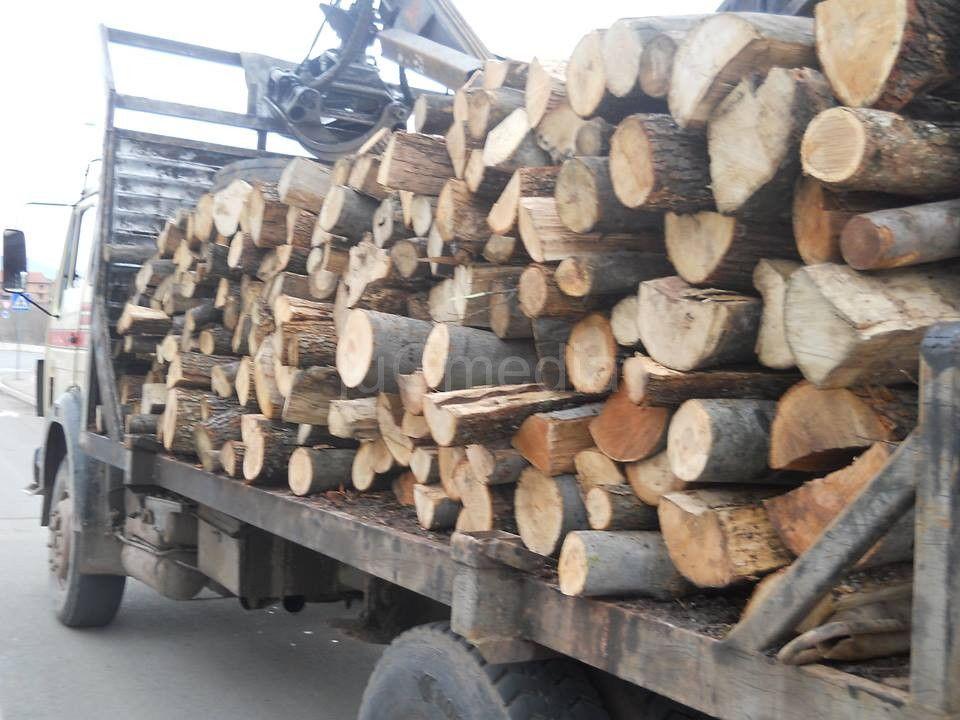 Zima povećala prodaju ogrevnog drveta
