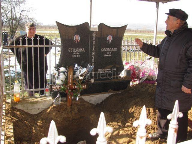 MORBIDNO Opljačkali juče sahranjenu staricu