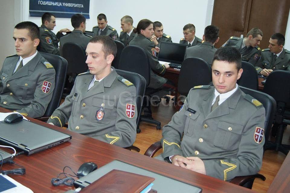 Otvoreni konkursi za vojne škole