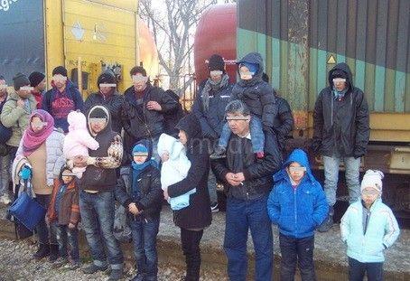 Među emigrantima pronađenim kod Preševa i šestoro dece