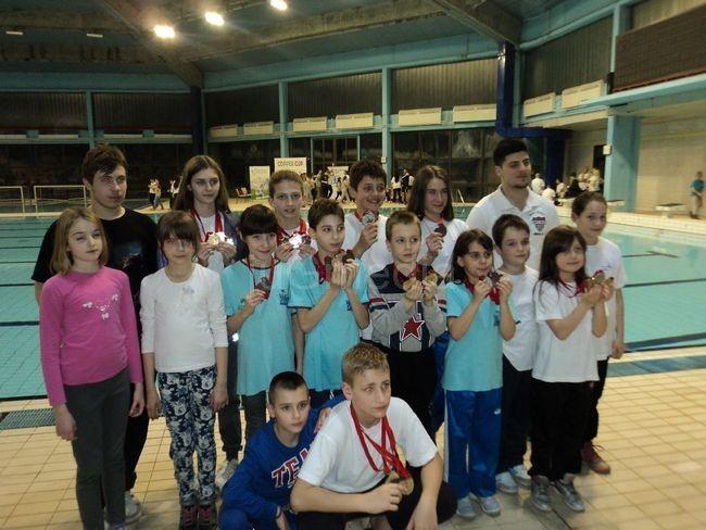 Leskovački plivači osvojili 21 medalju