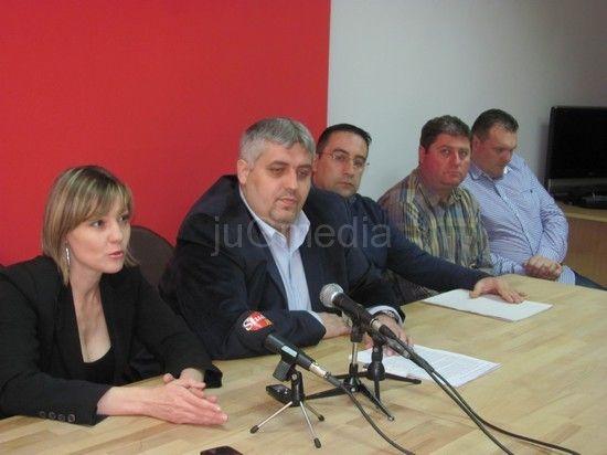 SDS: Beograd na vodi, Leskovac na pireu