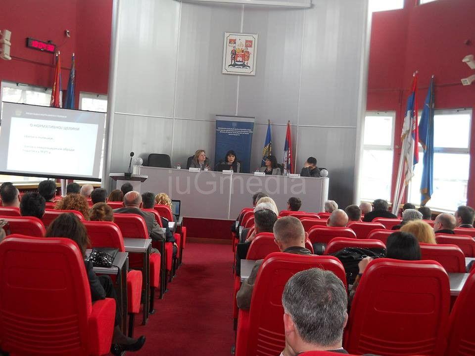Bolja saradnja MUP-a i opština u borbi protiv kriminala