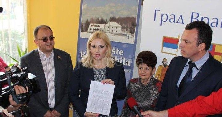 Ministarka Zorana Mihajlović uručila prvu građevinsku dozvolu