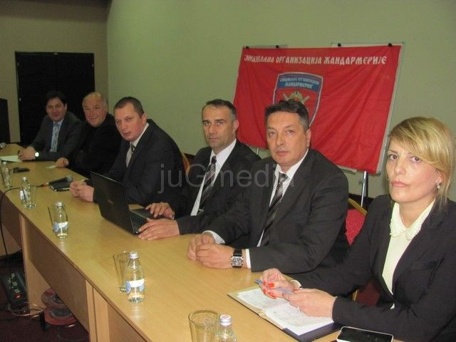 Milutinović: Žandarmi su časni ljudi
