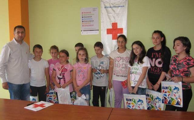 Crveni Krst Nagrade Najboljima Na Konkursu Krv život Znači