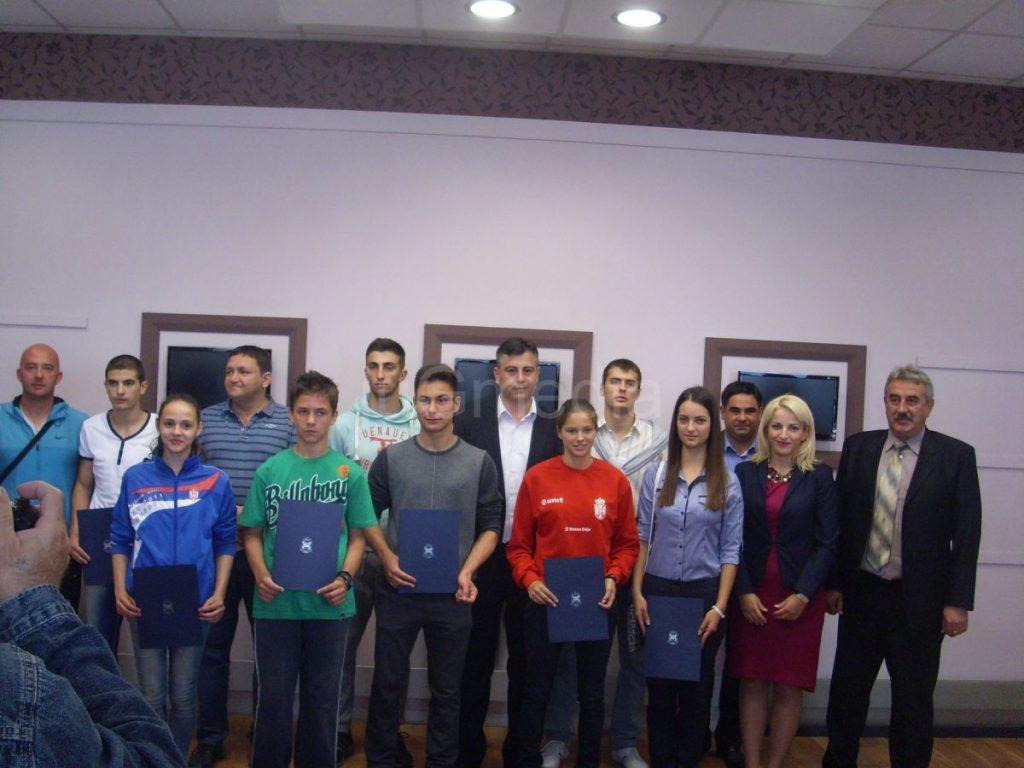 Stipendije za desetoro najboljih mladih  sportista