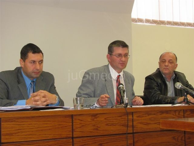 SNS: Mitić ne sprovodi odluku Upravnog suda